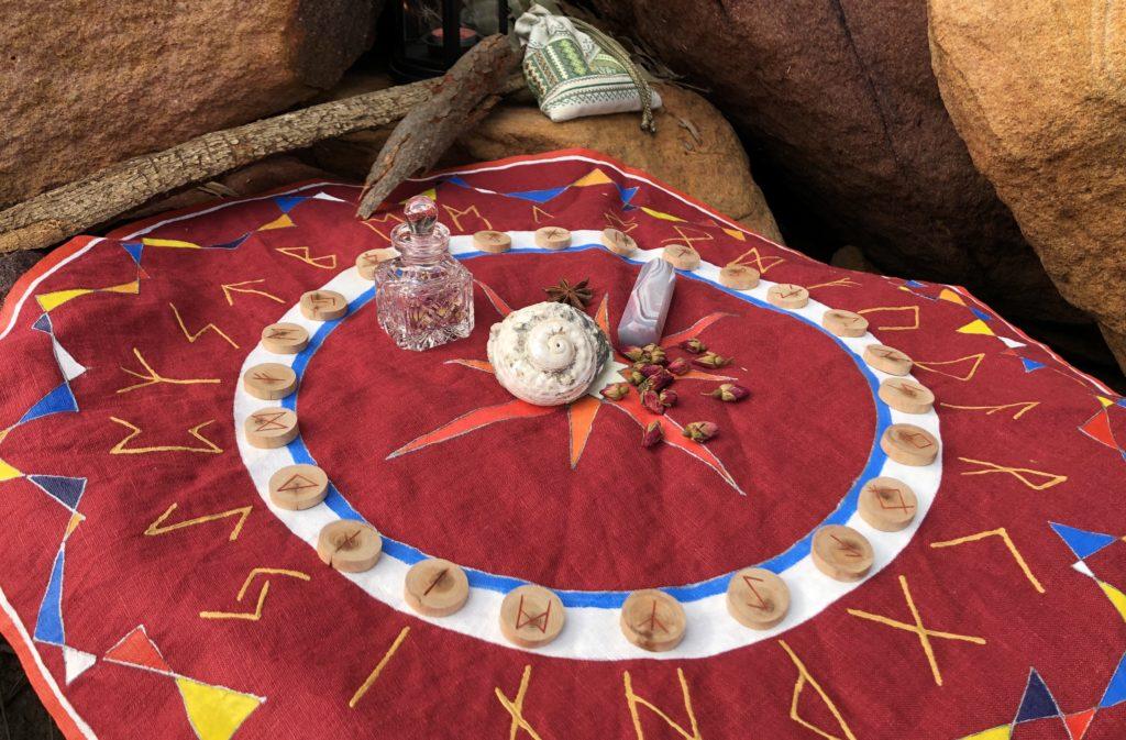 Расклад Рунный Круг 24 позиции на полотне | Блог Катерины Нистратовой о Рунах