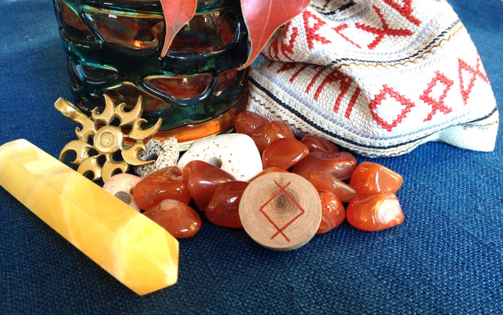 Ингуз из моего можжевелового набора | Блог Катерины Нистратовой о Рунах